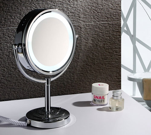 Merveilleux Compact Chrome Lighted Shaving Mirror 1021